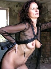 amateur wife pleasuring a few men