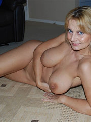 amateur uk wife in stockings