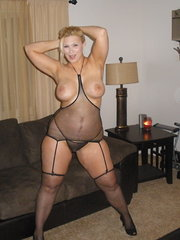 real amateur shared wife swallows oral creampies