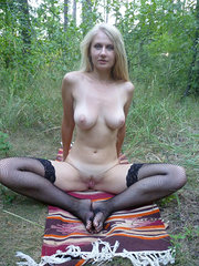 amateur wife showing herself in public