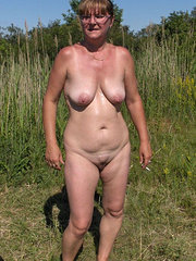 amateur mature wife masturbation