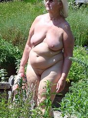 blonde thirtysomething wife outdoor nudes real amateur