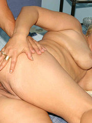 amateur wife knotted with dog